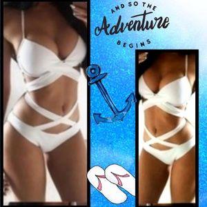 Other - 💖NEW💖2-Piece Push-Up Halter Top Bandage Bikini